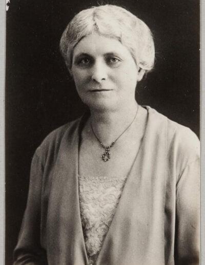 Jane-Kinney-Presbyterian-grad-1905