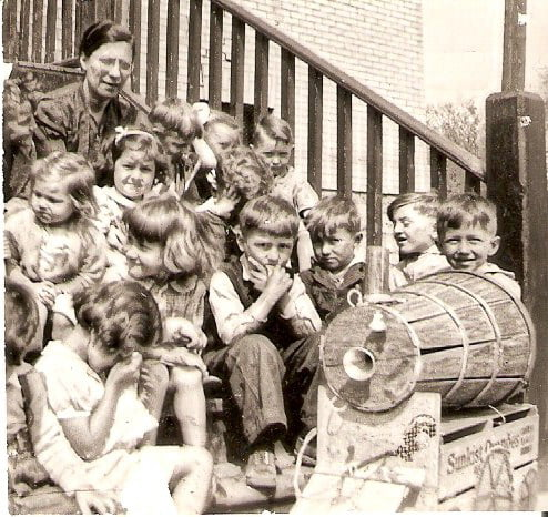 Deacones Olive Shaw staffed Sutherland Mission Kindergarten, providing free childcare for inner city Winnipeg families before daycare was common. This picture is from 1938. Courtesy of Crescent Fort Rouge UC, Winnipeg.