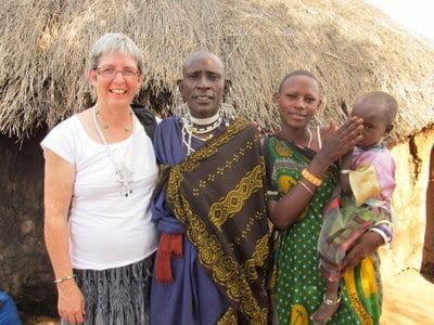 Kathy-Platt-with-women-in-Africa