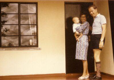 Elaine-Doug-Frazer-with-Paul-1967-Zambia